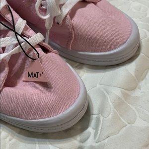 Ardene Mat+sneakers NWT
